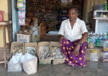 Kunihit Aya, grocer in Bekal