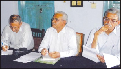 The three-member Technical Experts' Committee seen gathering public opinion in Madikeri on Thursday.