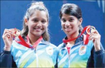 Joshna (right), along with Deepika Pallikal, won the gold medal in Commonwealth Games, Glasgow
