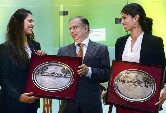 Dipika Pallikal and Joshna Chinappa being felicitated by MCC President Ajit Kumbhat. Photo : M.Vedhan