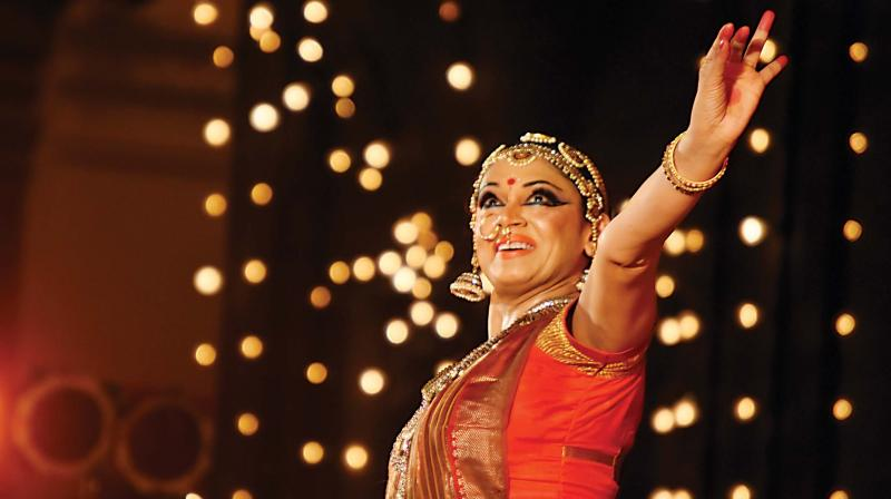 Actor Shobhana performs in front of Mysuru Palace on Friday as part of Dasara celebrations (Photo: KPN)
